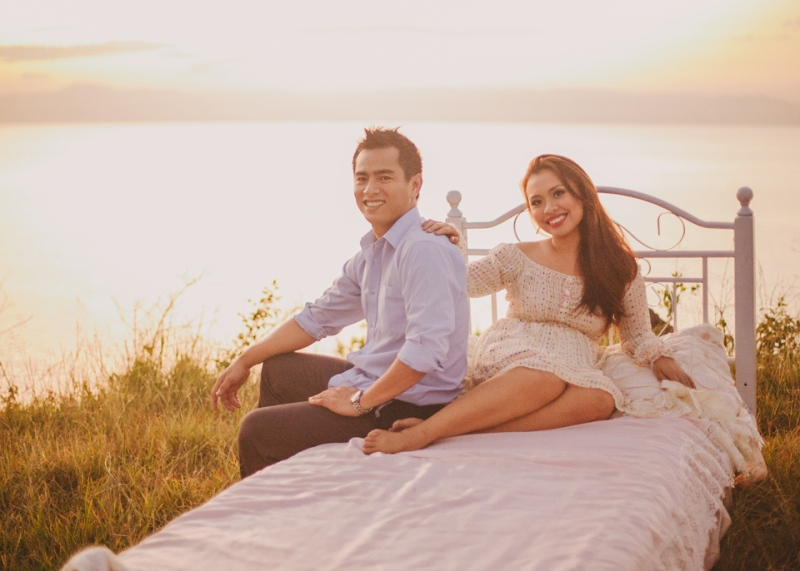 cuckoo cloud concepts christian & sheila engagement session cebu wedding stylist photo shoot stylist field by the sea 05