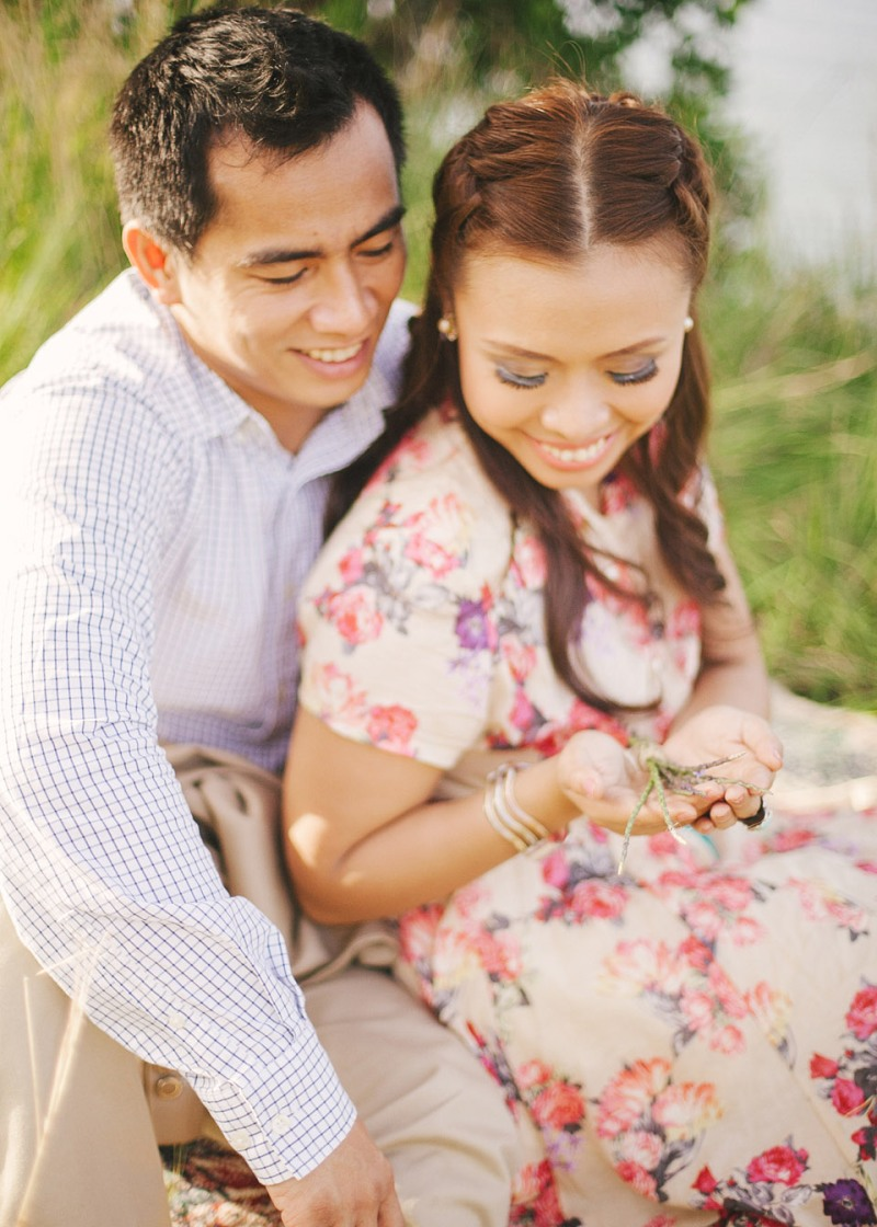cuckoo cloud concepts christian & sheila engagement session cebu wedding stylist photo shoot stylist field by the sea 09