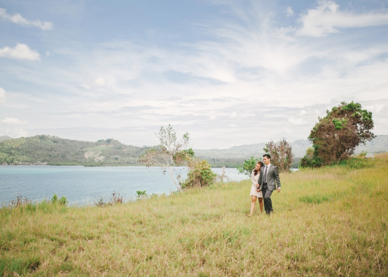 cuckoo cloud concepts christian & sheila engagement session cebu wedding stylist photo shoot stylist field by the sea 12