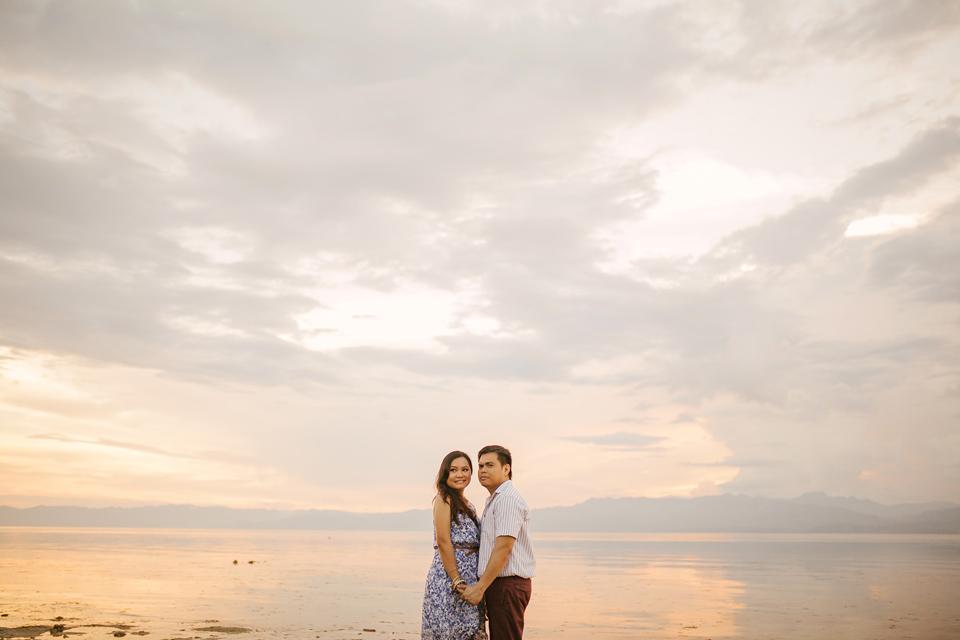 cuckoo cloud concepts evahn and giselle anniversary session cebu wedding stylist beach grass maroon blue 14