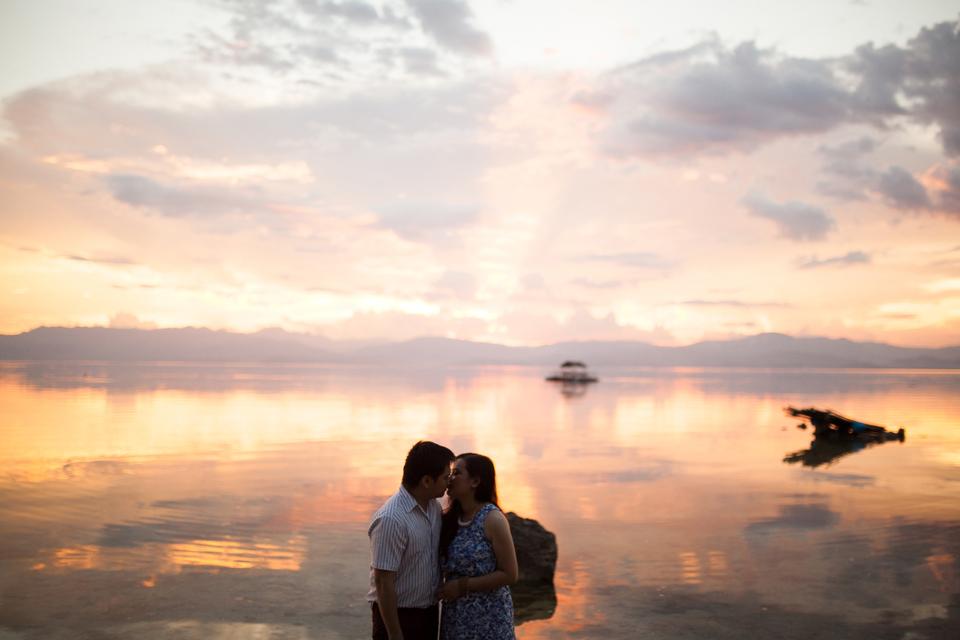 cuckoo cloud concepts evahn and giselle anniversary session cebu wedding stylist beach grass maroon blue 15