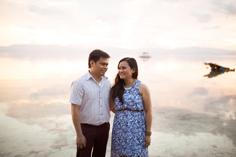 cuckoo cloud concepts evahn and giselle anniversary session cebu wedding stylist beach grass maroon blue 13