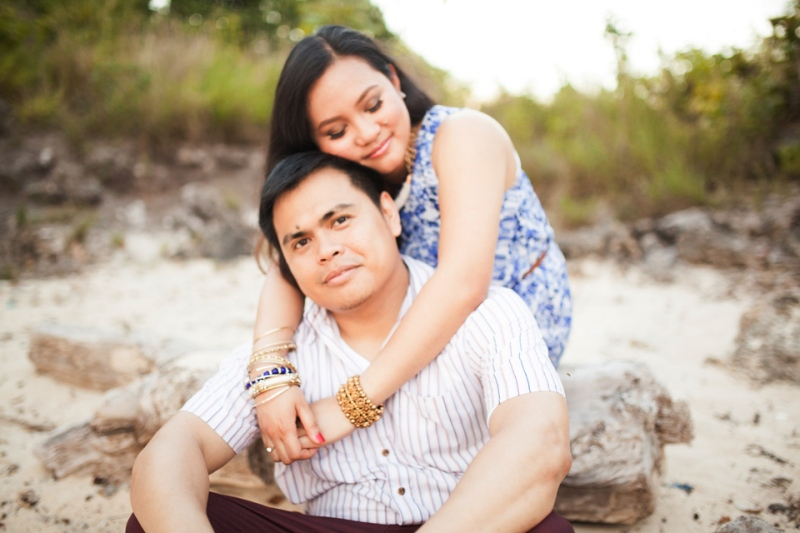 cuckoo cloud concepts evahn and giselle anniversary session cebu wedding stylist beach grass maroon blue 04
