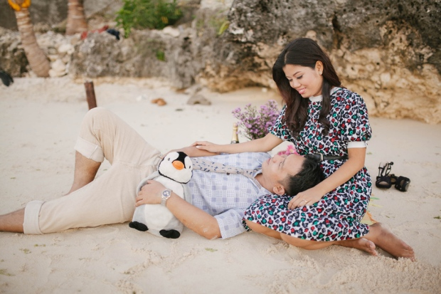 cuckoo cloud concepts ronald and katherine engagement session cebu wedding stylist photo shoot stylist nautical vintage beach picnic 16