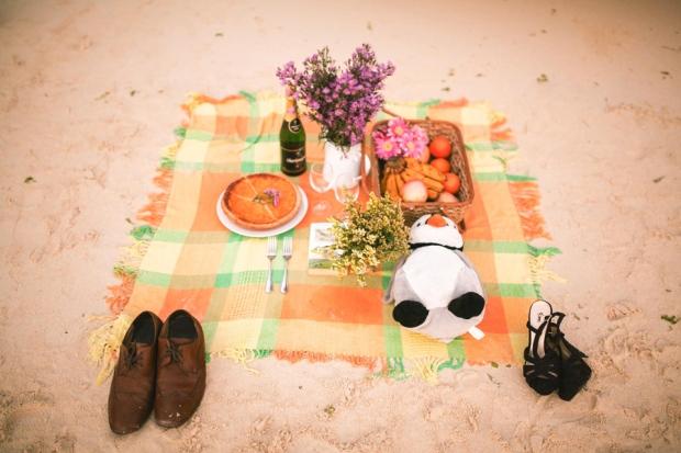 q11cuckoo cloud concepts ronald and katherine engagement session cebu wedding stylist photo shoot stylist nautical vintage beach picnic 26