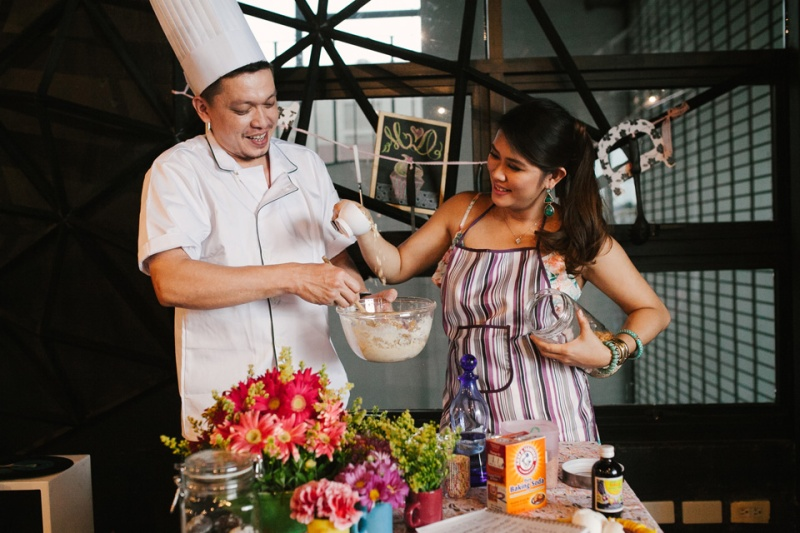 cuckoo cloud concepts drazen and majie engagement session cebu wedding stylist kitchen baking prenup the chillage 04