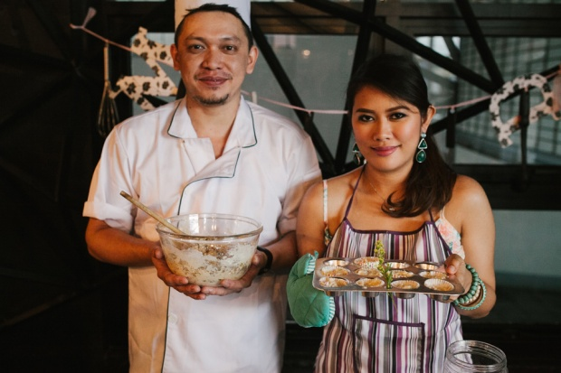cuckoo cloud concepts drazen and majie engagement session cebu wedding stylist kitchen baking prenup the chillage 12