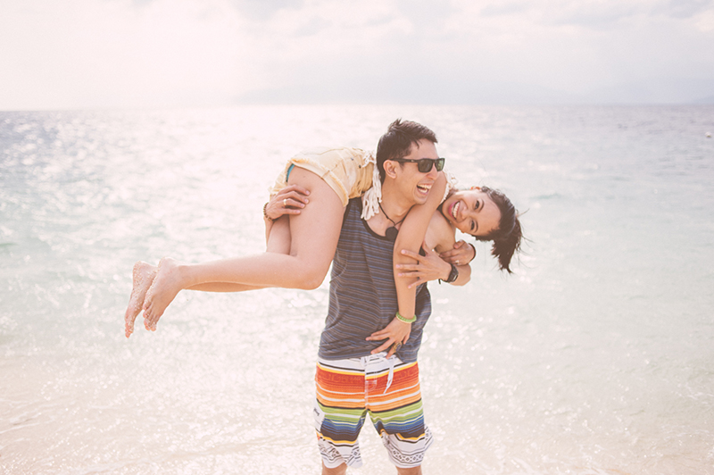 cuckoo cloud concepts junn and loura beach love engagement session bohemian-inspired cebu wedding stylist moalboal_12