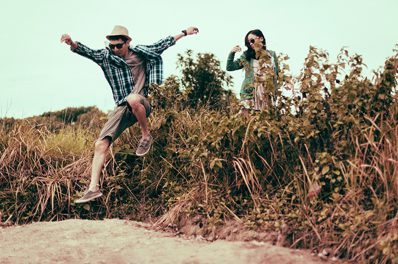 cuckoo cloud concepts junn and loura road trip hip laidback engagement session cebu wedding stylist_10