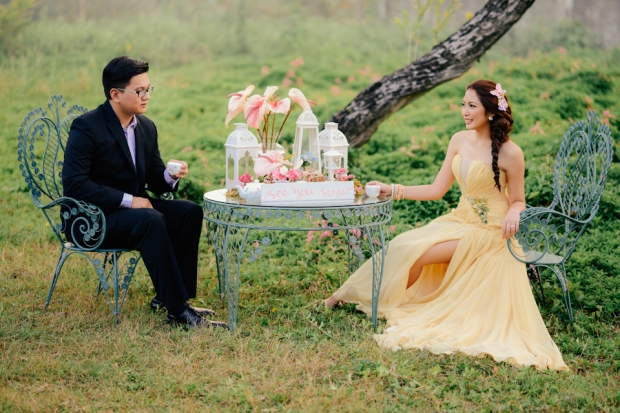 cuckoo cloud concepts david and jaja enchanted engagement session wooden swing lush greens pink flowers-16