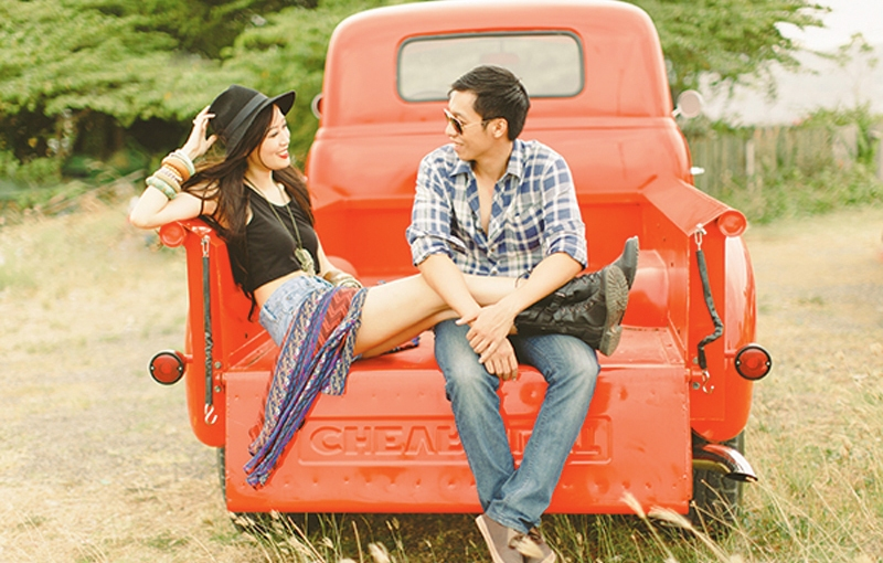Love & A Red Truck: Franz & Sherry Engagement Session