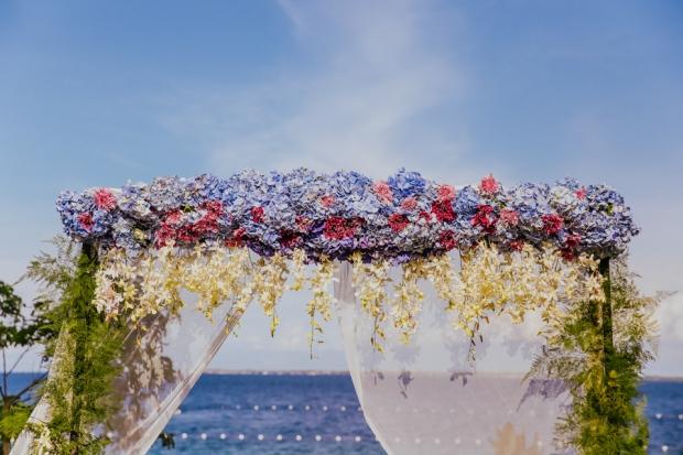 Cuckoo Cloud Concepts Petter Leah Modern Filipiniana Wedding Blue Violet Beach Crimson Resort Cebu Wedding Stylist-15