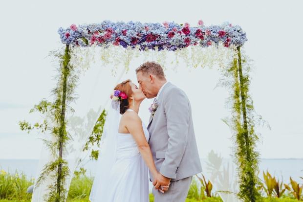 Cuckoo Cloud Concepts Petter Leah Modern Filipiniana Wedding Blue Violet Beach Crimson Resort Cebu Wedding Stylist-29