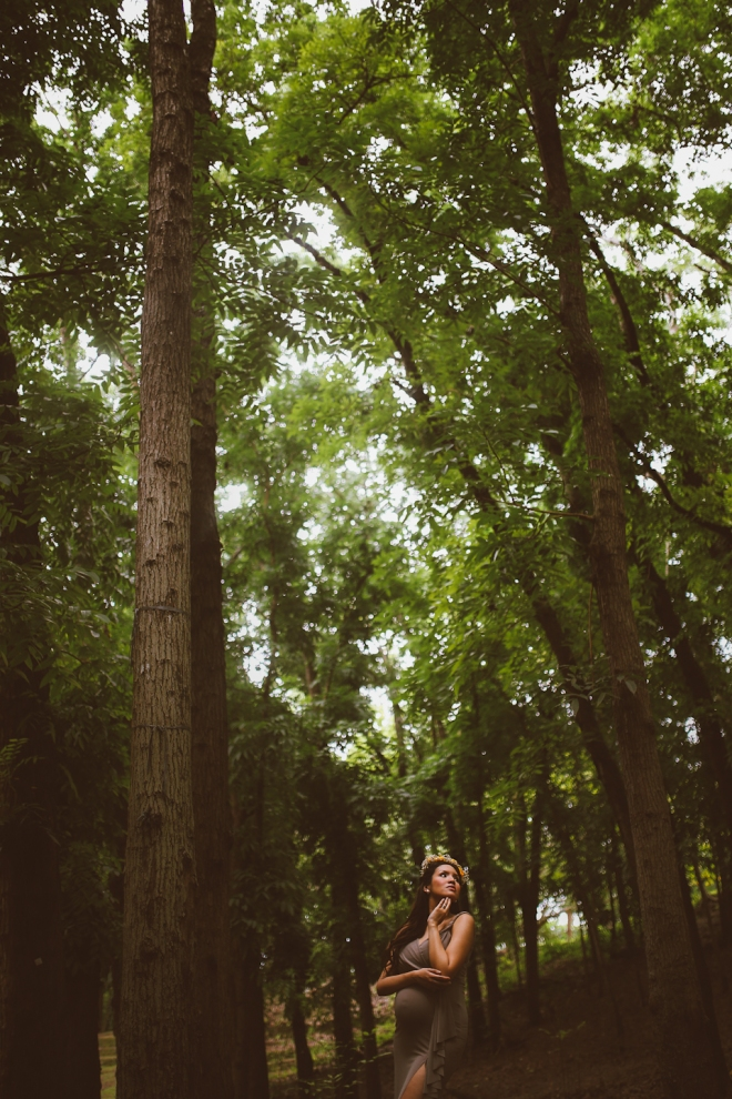 Cuckoo Cloud Concepts Kimberly Burden Gothong Maternity Session Forest Enchanted Neutrals Yellow Floral Crown -14