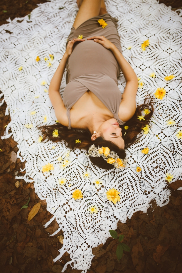 Cuckoo Cloud Concepts Kimberly Burden Gothong Maternity Session Forest Enchanted Neutrals Yellow Floral Crown -15