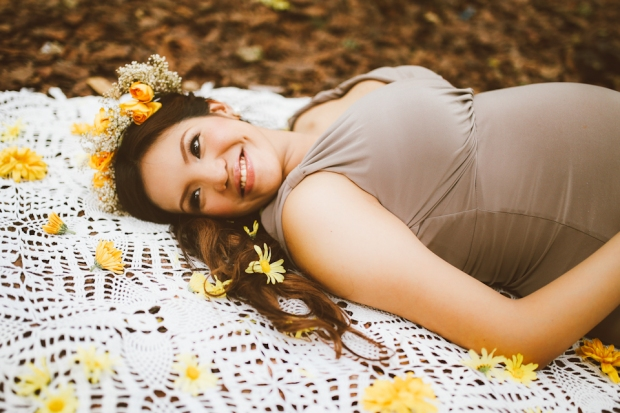 Cuckoo Cloud Concepts Kimberly Burden Gothong Maternity Session Forest Enchanted Neutrals Yellow Floral Crown -2