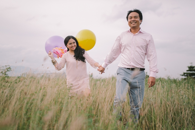 Cuckoo Cloud Concepts Julius and Pavirly Engagement Session Balloons Field Projected Images Colorful Fringes-16
